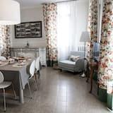 Apartamentai, 2 miegamieji (Dame Lodge) - Vakarienės kambaryje