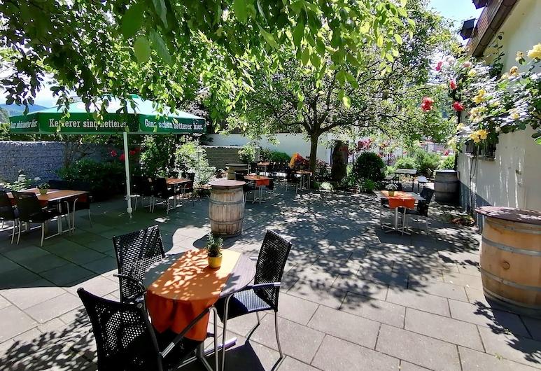 Hotel-Gasthaus zur Eiche, Hausach, Vakarienės lauke