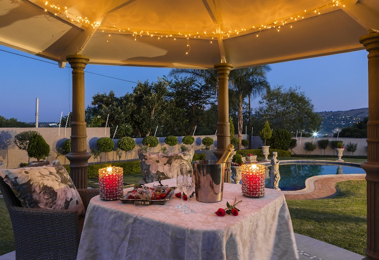 La Vida Luka Luxury Guesthouse, Pretoria, Ruokailutilat ulkona