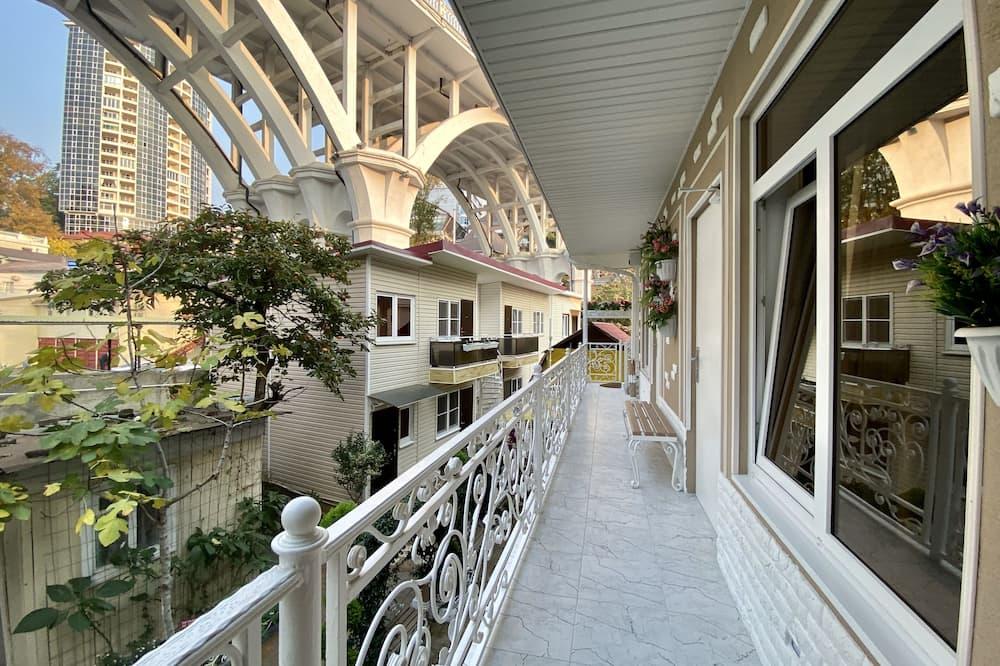 Apartamentai su patogumais (11) - Balkonas