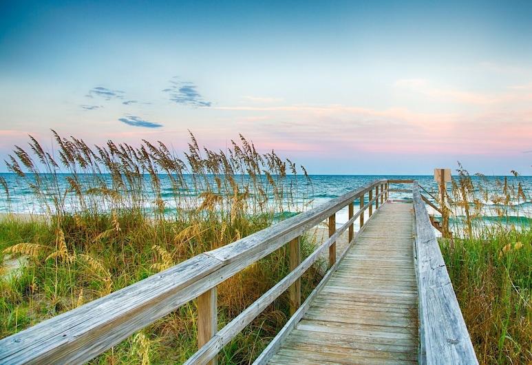 New Listing! River-view Getaway, Walkable Locale 1 Bedroom Condo, Wilmington, Mieszkanie, 2 sypialnie, Plaża