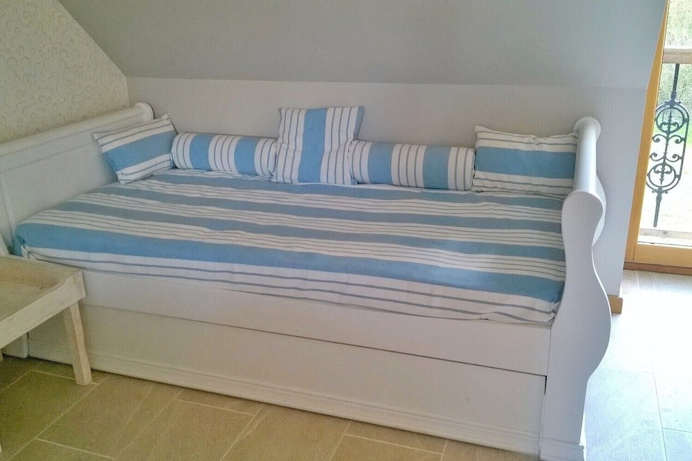 Family Room (Locmariaquer) - Children's Theme Room