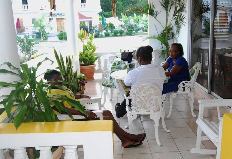 Global Villa Hotel, Lucea, Outdoor Dining