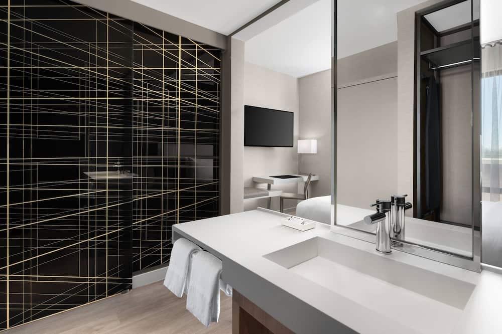 客房, 1 張特大雙人床, 非吸煙房, 陽台 - 浴室
