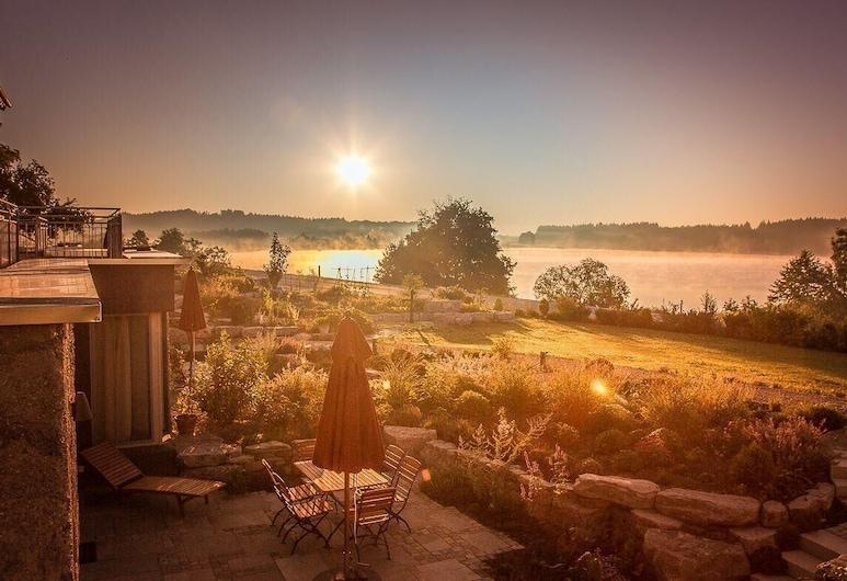 Lebensart am See, Exklusive Spa-ferienwohnung Wellvital, Direkt am See, Bad Endorf