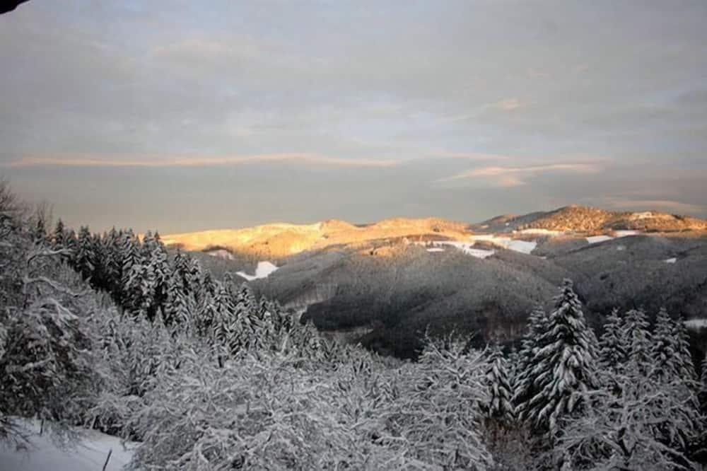 شقة - منظر للجبل