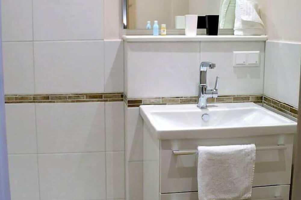 Apartment - Bathroom