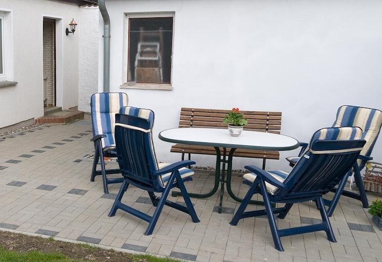 Preisgünstige und Gemütliche Ferienwohnung am Wieker Bodden, Wiek, Apartment, Balkon