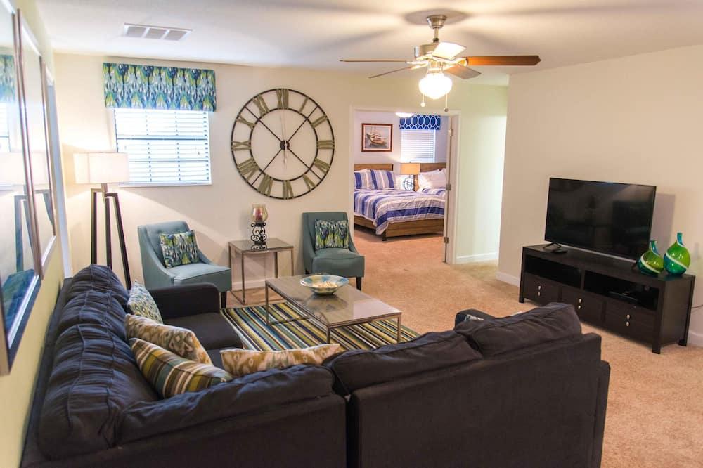House (Champions Gate Resort, game room, pri) - Living Room