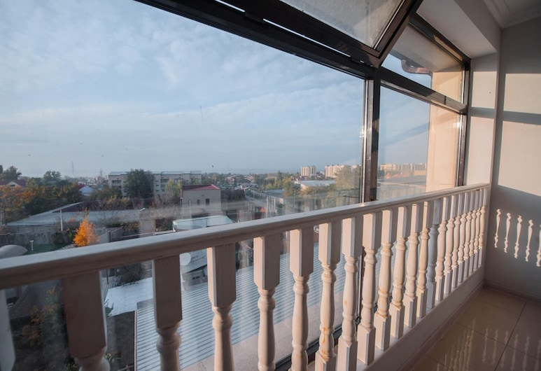 Turan Hotel, Almaty, Balcony