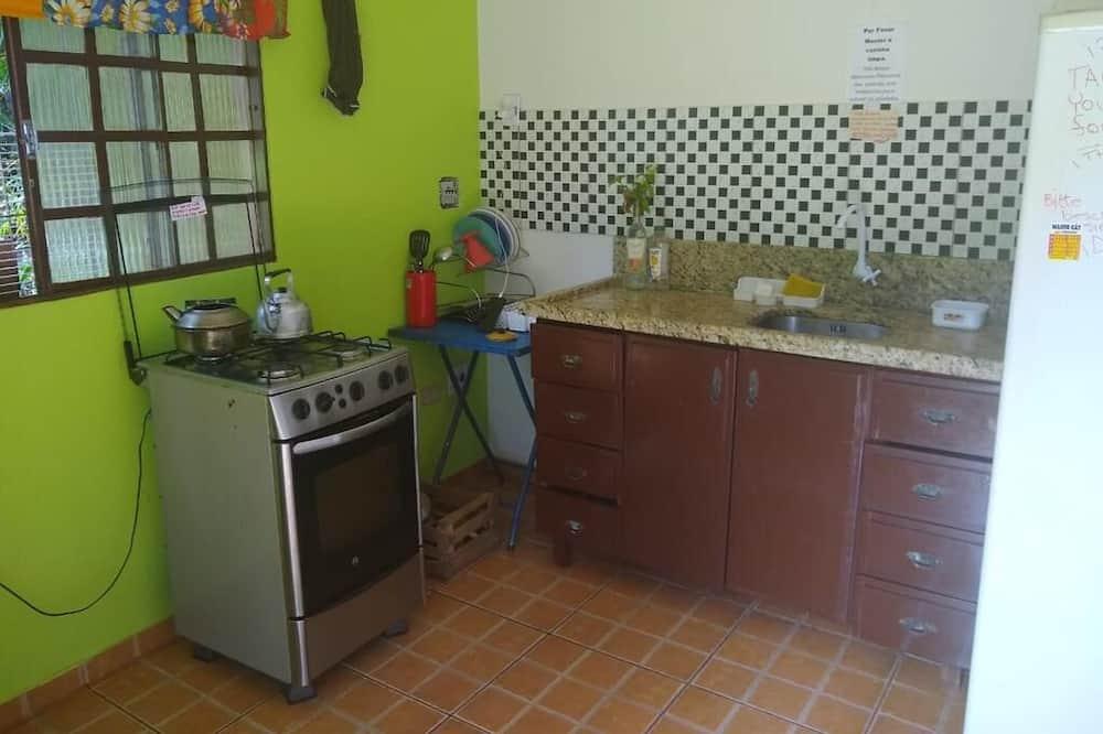 Comfort Shared Dormitory - Shared kitchen