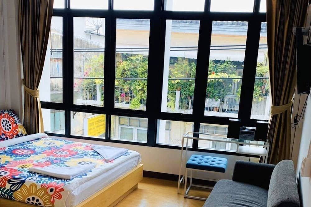 Private with Bathroom (No.32) City view - Guest Room