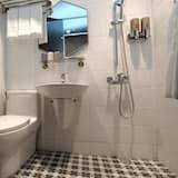 飛碟三人房 - 浴室