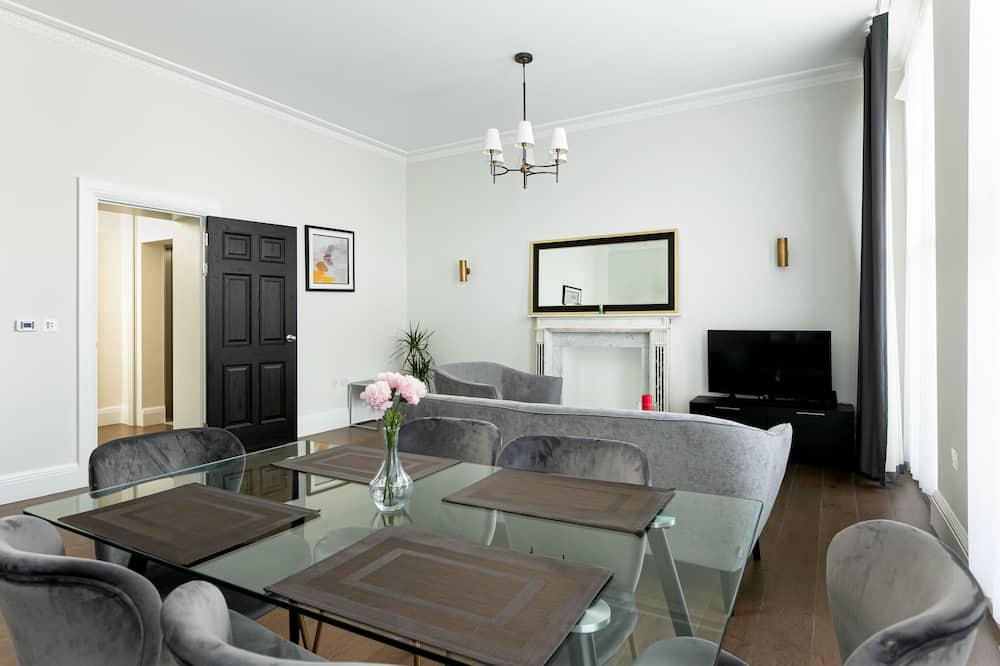 Premium Apartment - In-Room Dining