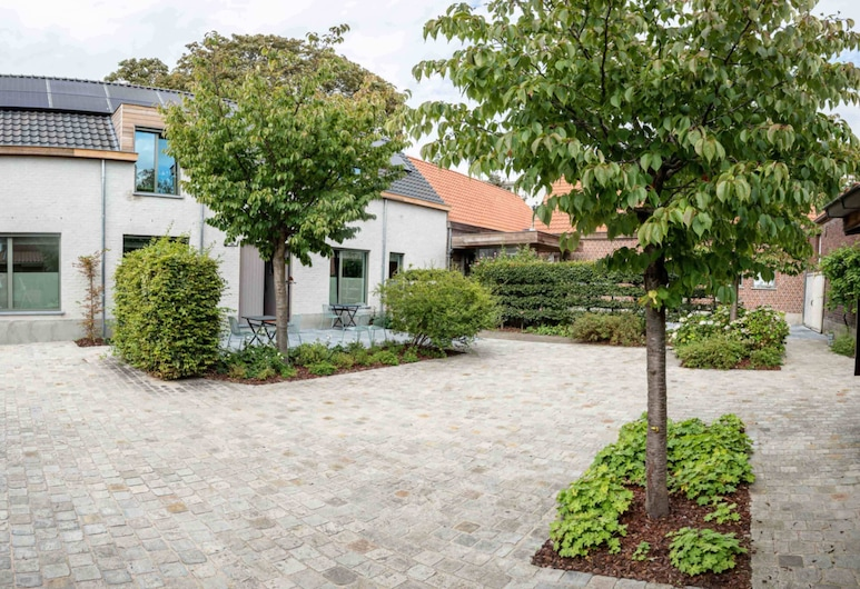 B&B Hof Beygaert, Aalst, Courtyard