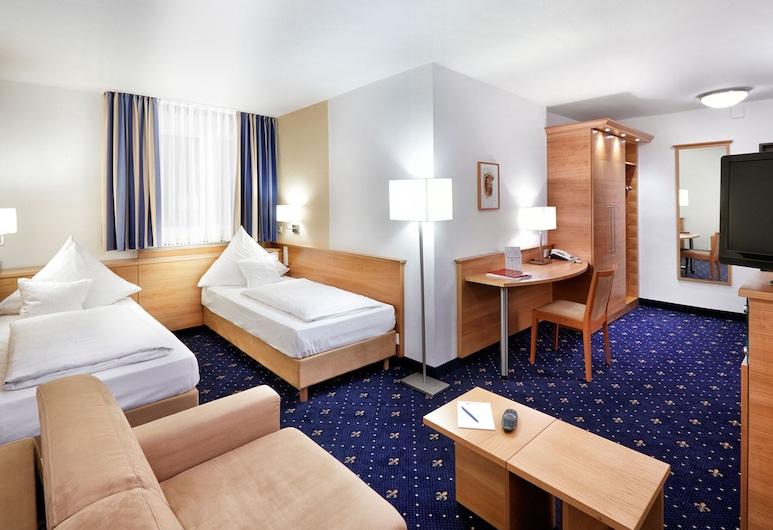 Zum Goldenen Ochsen, Aschaffenburg, Trokrevetna soba, Soba za goste