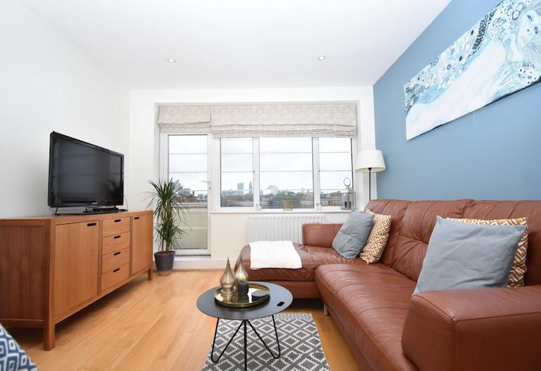 Modern 2 BR Flat in Stepney Green, London, Interior