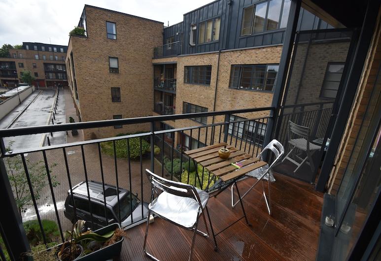 Spacious 1BR apartment in London, Londra, Apart Daire, Balkon