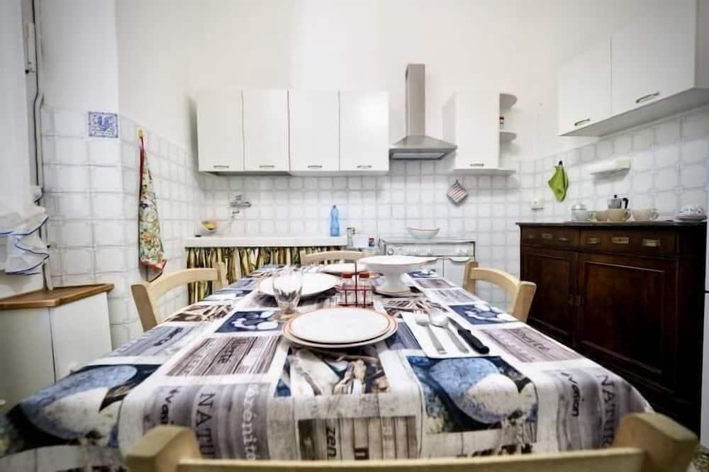 Apartament, 3 sypialnie - Wyżywienie w pokoju