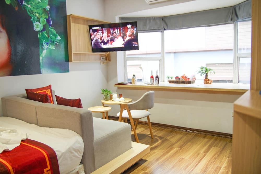 Luxury Studio, City View - Living Area