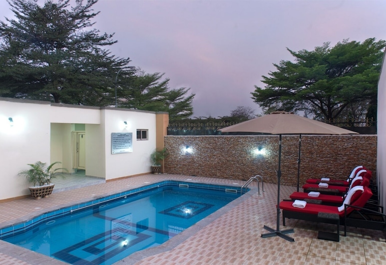 Premiership UK Suites, Lagos, Pool