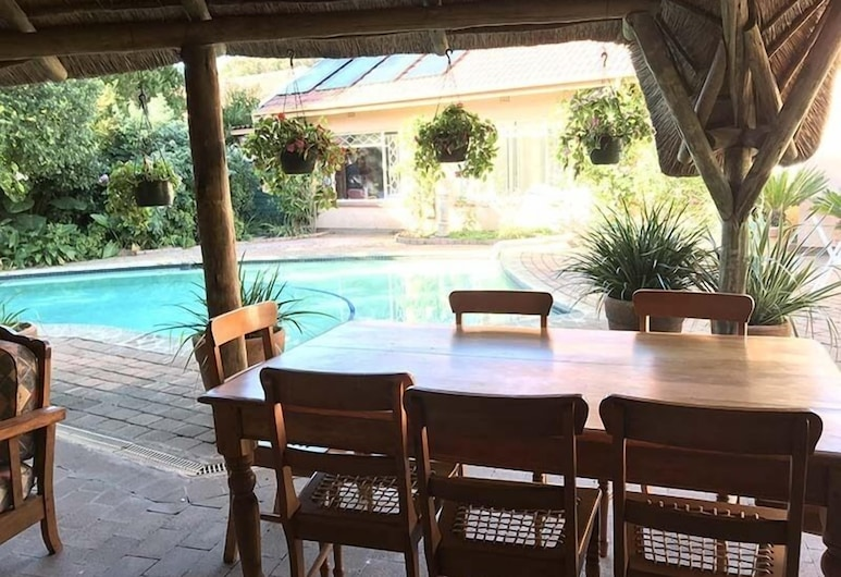 Celtis Lane Guest House, Boksburg, Terrasse/Patio