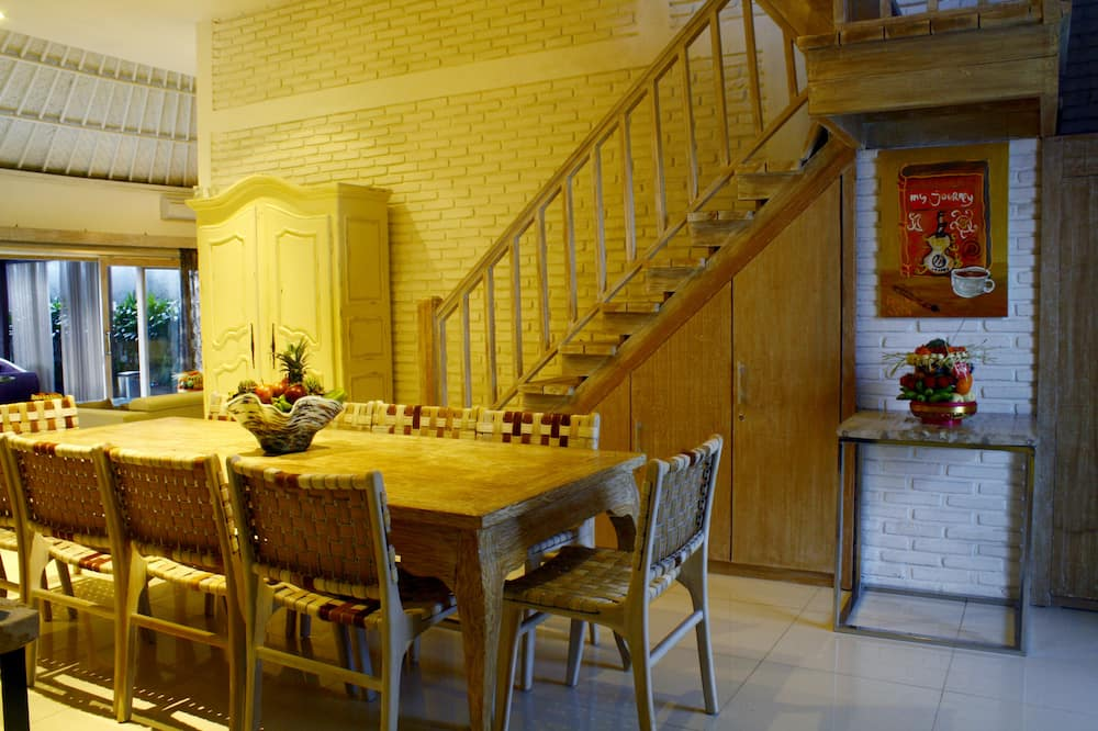 Villa, 6 Bedrooms - In-Room Dining