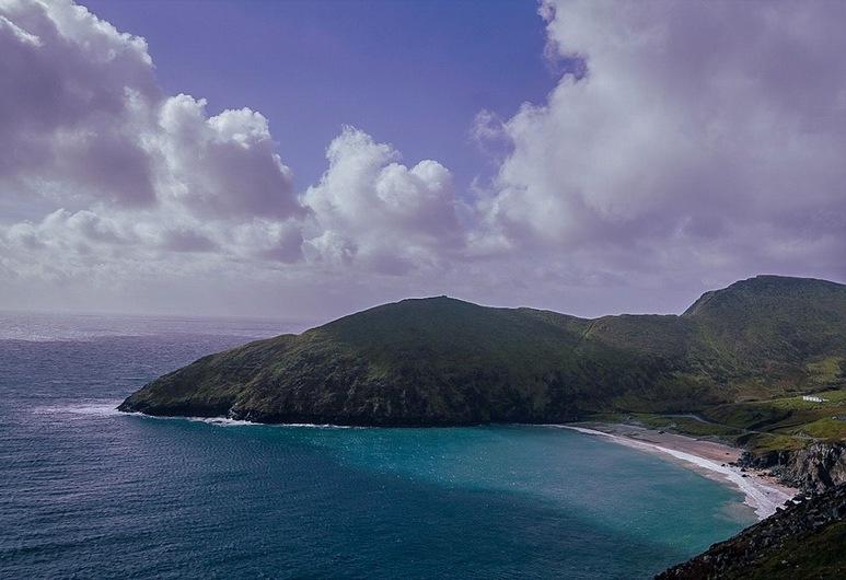 バタフライ コテージ, アキル島, ビーチ