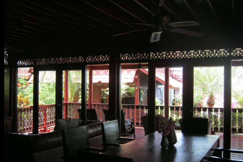 Villa, 4 Bedrooms, Non Smoking, Kitchen - Living Area