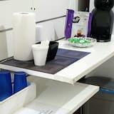 Двухместный номер базового типа с 1 двуспальной кроватью, общая ванная комната (Butterfly) - Общая кухня