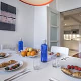 Apartment, 3 Bedrooms (2424) - In-Room Dining