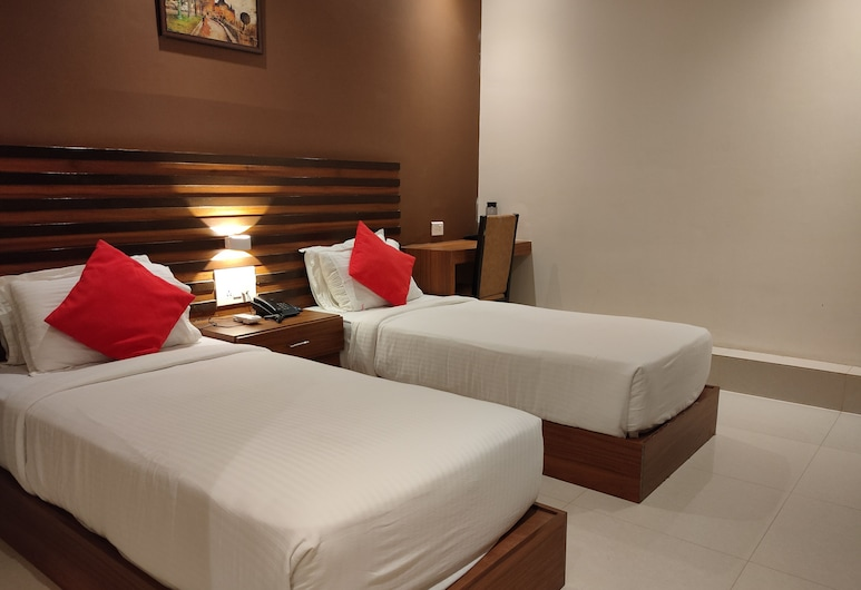 Hotel Universal Garden, Mumbai, Deluxe Twin Room, Guest Room