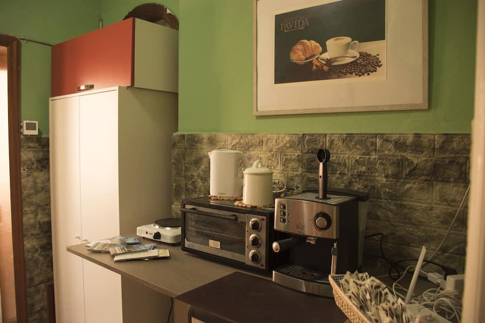 Standaard tweepersoonskamer, gemeenschappelijke badkamer - Gemeenschappelijke keuken