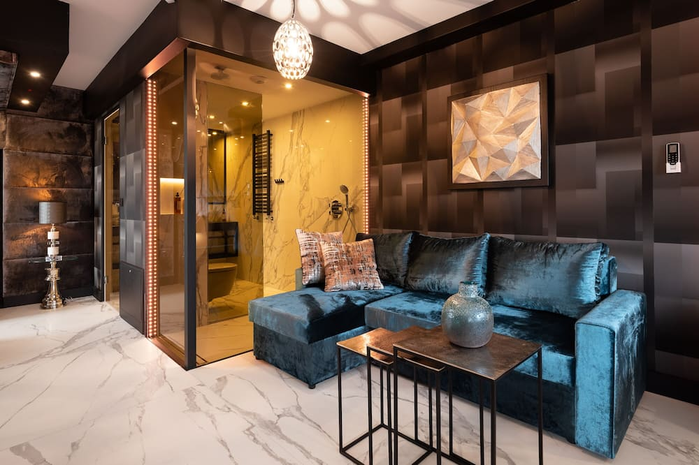 Art Penthouse Apartment with Jacuzzi, Terrace and Air-Conditioning - Stofa