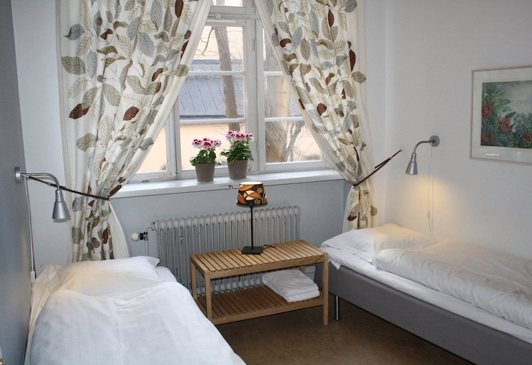 Castanea Old Town Hostel, Stockholm, Twin Room, Guest Room