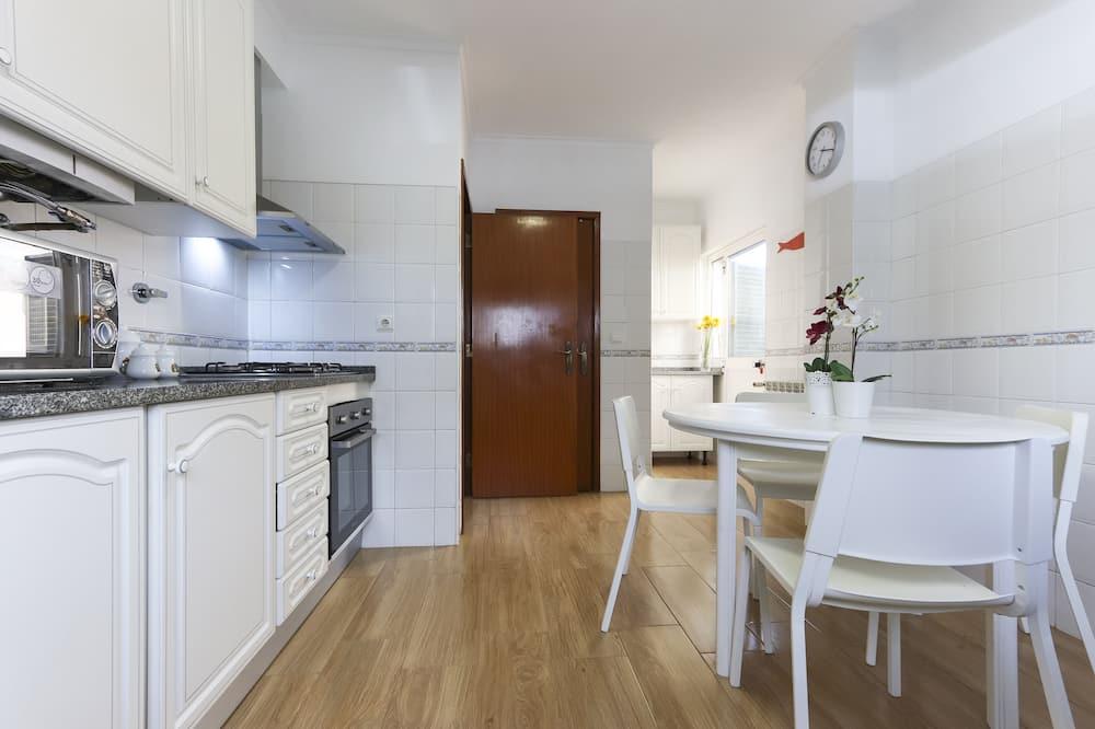 غرفة مزدوجة - بحمام مشترك (3) - مطبخ مشترك