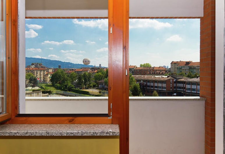 Apartment With one Bedroom in Torino, With Wonderful City View, Balcony and Wifi, Τορίνο, Θέα στον κήπο