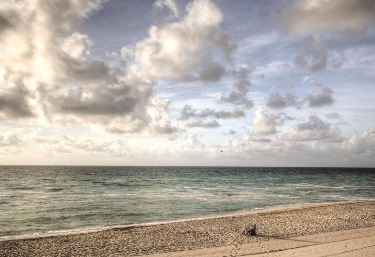 Ocean Reserve 1001 by Go Florida Condo Sunny Isles, 陽光島海灘, 海灘