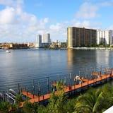 Le Golden Bay 1108 by Go Florida Condo, Sunny Isles