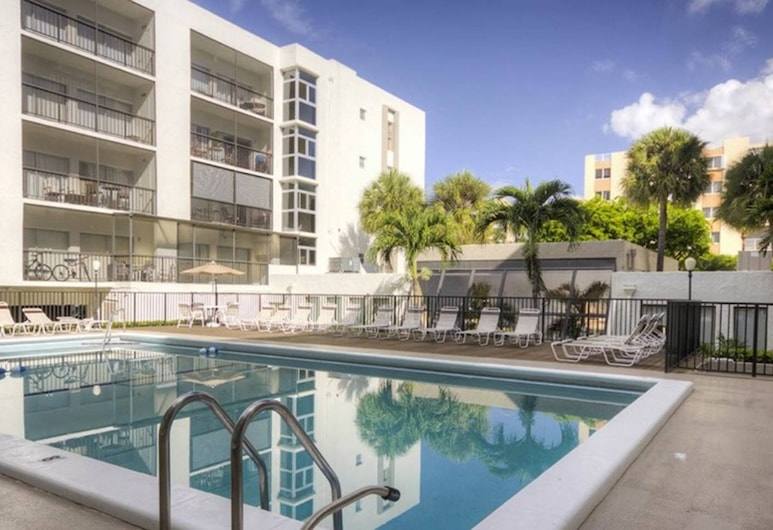 Le Cartier 426 by Go Florida Condo Sunny Isles, Sunny Isles Beach, Baseins
