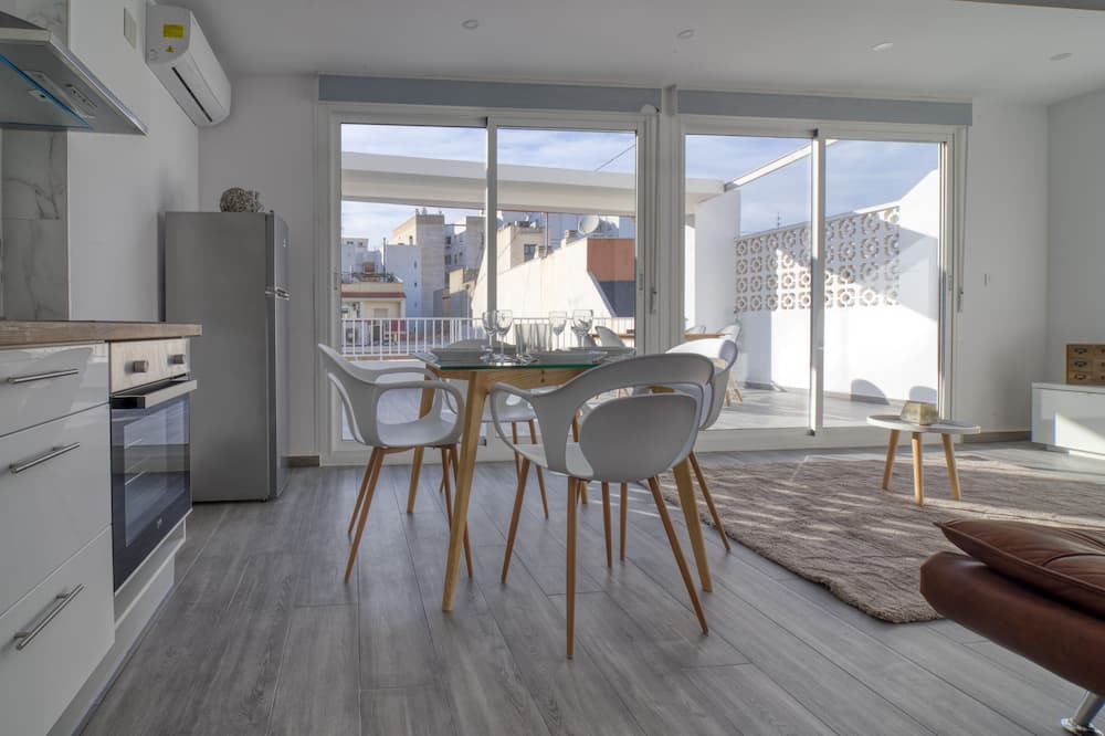 Penthouse, 1 Bedroom, Terrace, Mountain View - Living Room
