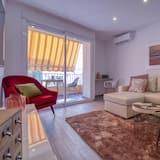 Apartment, 2 Bedrooms, Balcony - Living Room