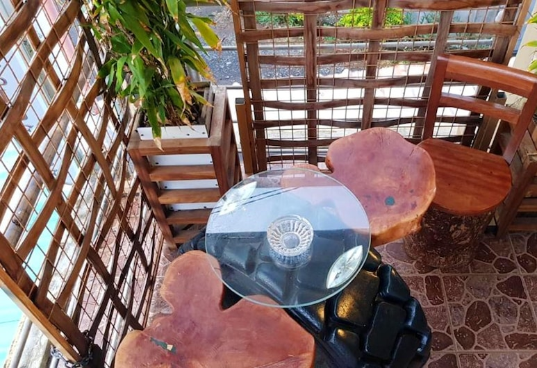 Apartment With one Bedroom in Souillac, With Wonderful Mountain View, Furnished Terrace and Wifi, Souillac