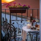 Habitación Deluxe, 1 cama de matrimonio grande con sofá cama, vistas a la ciudad (with Sofabed) - Vistas al balcón