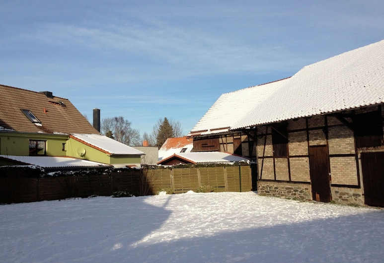 Cosy Ground Floor Flat in the Eastern Harz Region With Wood Stove and Private Terrace, Thale, Garden