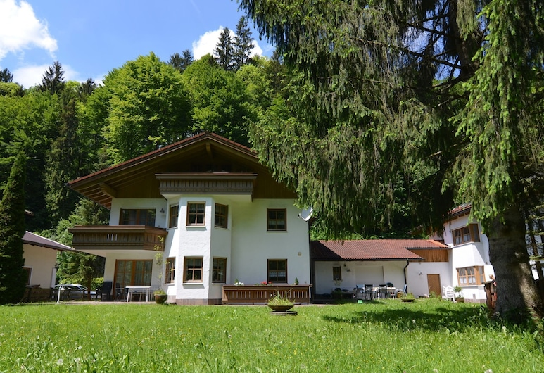 Bright Apartment in Schönau am Königsee With Barbecue, Schoenau am Koenigssee