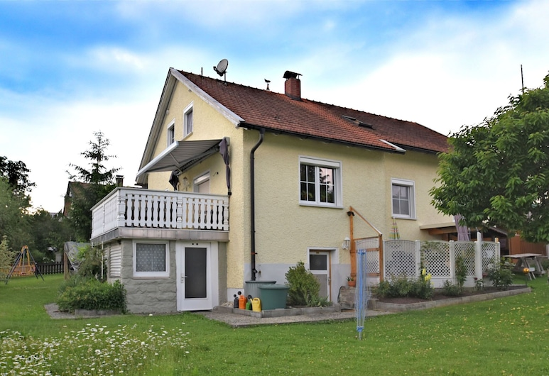 Lovely Apartment With Private Terrace, Garden,bbq,deckchairs, Röhrnbach