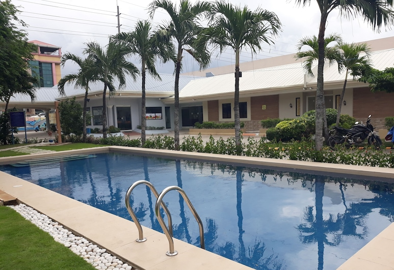 S&M Hotel, Mandaue, Kolam Renang Luar Ruangan