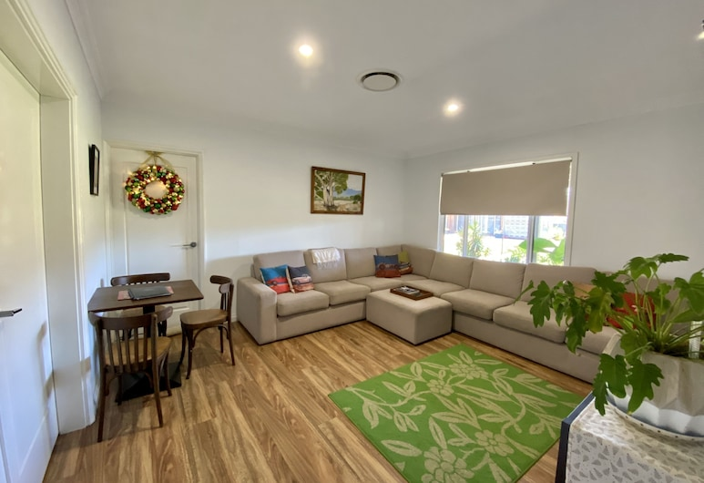 The Mains Guest House, Corrigin, Living Area