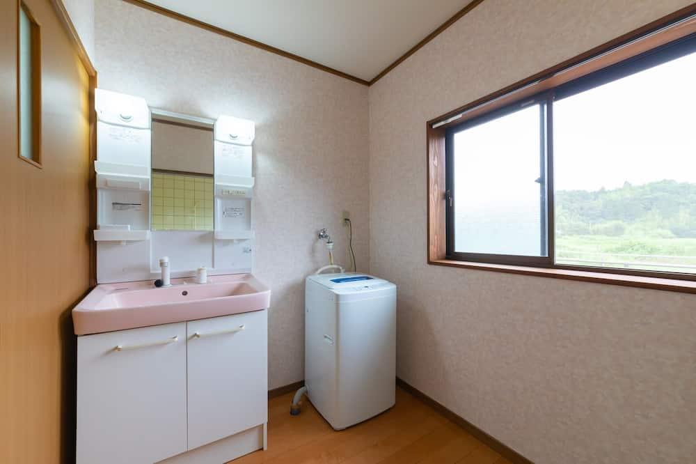 Japanese Style Room - Bathroom